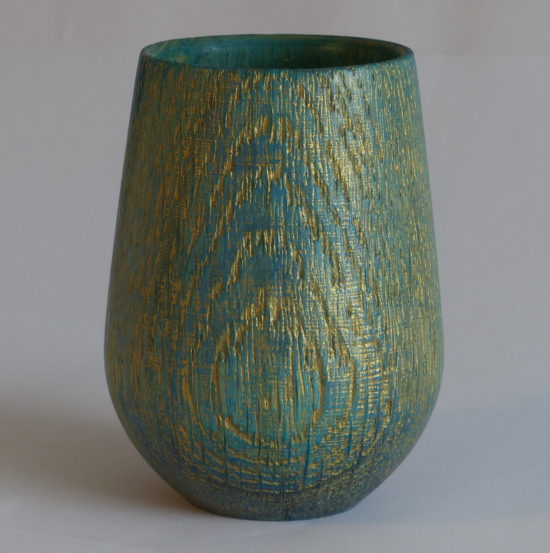 Small oak pot by Martin Gomme